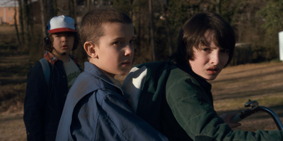 let-the-kids-of-stranger-things-melt-your-heart-with-their-behind-the-scenes-antics-1067147